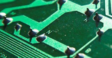 PCB – Precision Glue Dosing